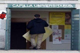 Concentración en la Complutense contra las capillas en la Universidad