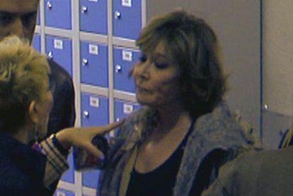 """Karmele Marchante y Mila Ximénez a punto de agredirse en la peor 'bronca' vista en 'Sálvame': """"¡Eres, tonta, gilipollas, hija de…!"""""""