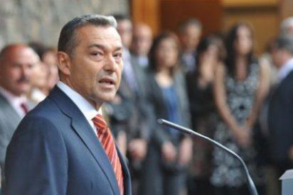 Paulino Rivero insiste en primar el trabajo para los canarios