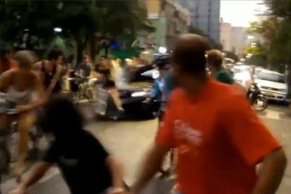 Atropella con su coche a 15 ciclistas en una manifestación porque no le cedían el paso