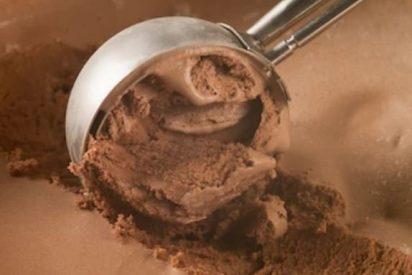 Helado de chocolate casero sin huevo