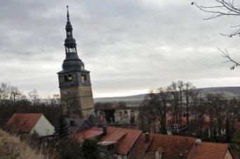 La Iglesia regala la 'torre de Pisa alemana' a quien pueda enderezarla