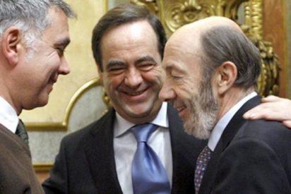 """Rubalcaba se hace con el control de TVE censurando el 'caso Bono' """"con premeditación y alevosía"""""""
