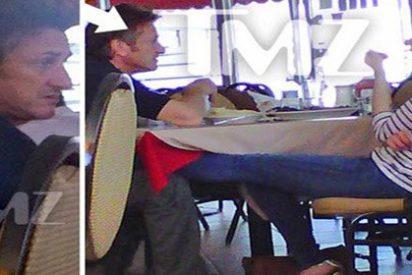 """Sean Penn, """"como un niño enamorado"""" con Scarlett Johansson"""