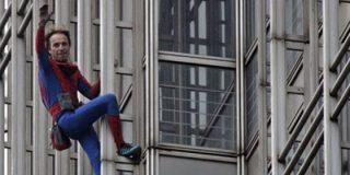 El spiderman francés escala en Dubai el edificio más alto del mundo