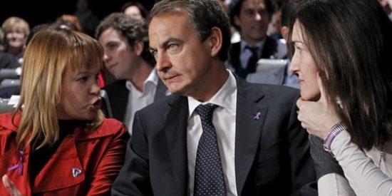 Zapatero se mofa de Dios y Rajoy por las críticas a su plan de 'ahorro energético'