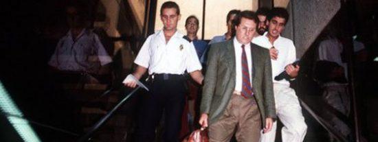 Zapatero indulta a un estafador y falsificador confeso