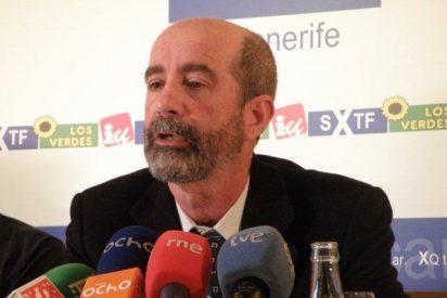 Santiago Pérez incumple su precepto de no hacer dobletes