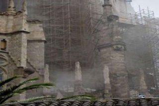 Monseñor Sistach visita la cripta de la Sagrada Familia tras el incendio