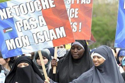 Entra en vigor la ley que prohíbe el burka en espacios públicos en Francia
