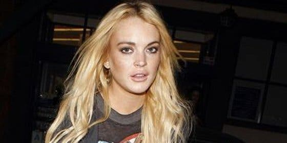 Lindsay Lohan se remanga para fregar la morgue de Los Ángeles