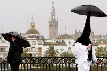 La lluvia deja media España sin procesiones