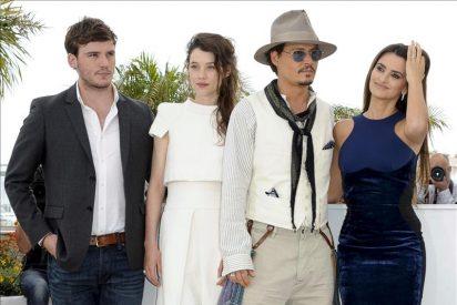 Johnny Depp, Penélope Cruz y sus sirenas asesinas fondean en Cannes