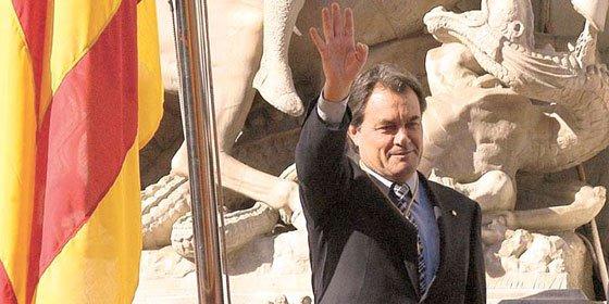 Artur Mas sube el sueldo a siete cargos de confianza de las delegaciones territoriales