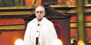 Bergoglio critica las ambiciones desmedidas del poder político