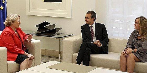 La presidenta Bachelet vuelve a confundir a España con una república