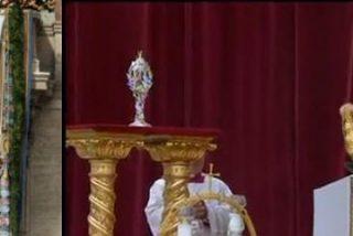 """Cardenal Bertone: """"Juan Pablo II supo dar a la Iglesia proyección mundial y autoridad moral"""""""