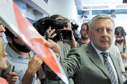 En el PSOE comienza a oler a descomposición y vuelan ya las dagas