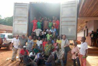 Llegan los contenedores solidarios a Bangassou
