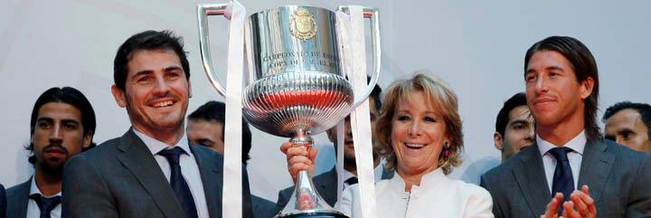 Esperanza Aguirre recibe al Real Madrid Campeón de la Copa del Rey