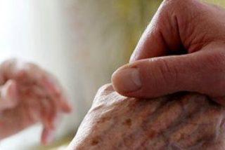 "Los obispos creen que ley aragonesa abre la puerta ""a la eutanasia encubierta"""