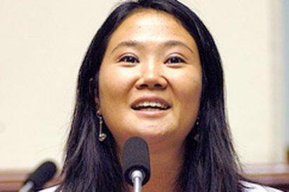 Keiko Fujimori solicita un permiso judicial para visitar a Vargas Llosa en Ecuador
