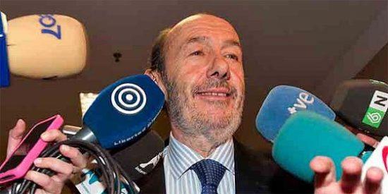 """Rubalcaba: """"Hay que felicitar al PP porque ha ganado ampliamente las elecciones"""""""