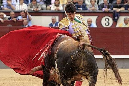 Talavante revienta la Plaza de las Ventas y sale por la Puerta Grande