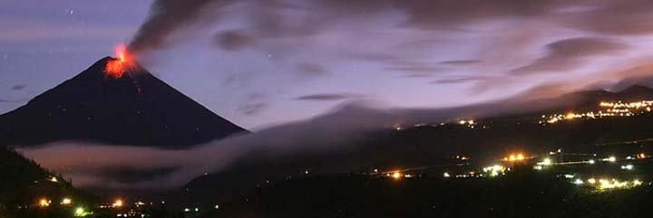 Erupción del volcán Tungurahua provoca evacuación de 25 mil personas