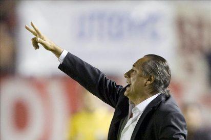 Juan José López renuncia como entrenador del River Plate tras bajar a Segunda
