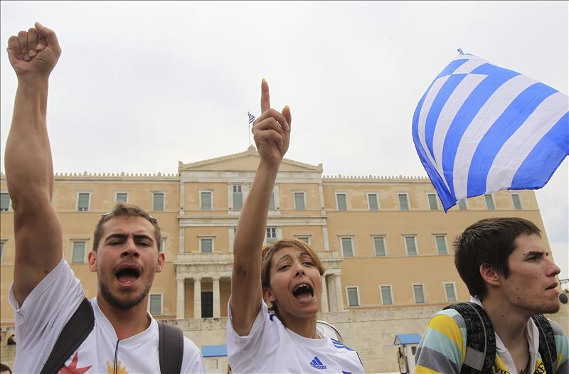 La cuarta huelga general y las manifestaciones amenazan con paralizar a Grecia