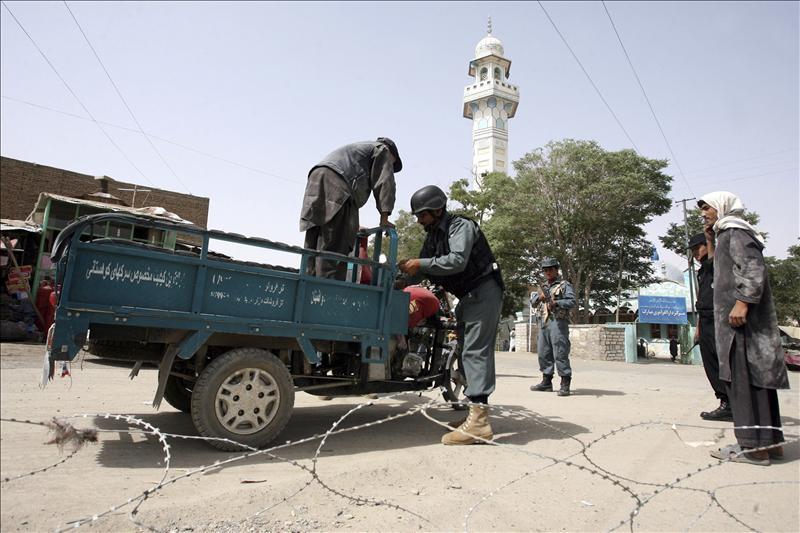Mueren cuatro civiles por un tiroteo en el norte de Afganistán