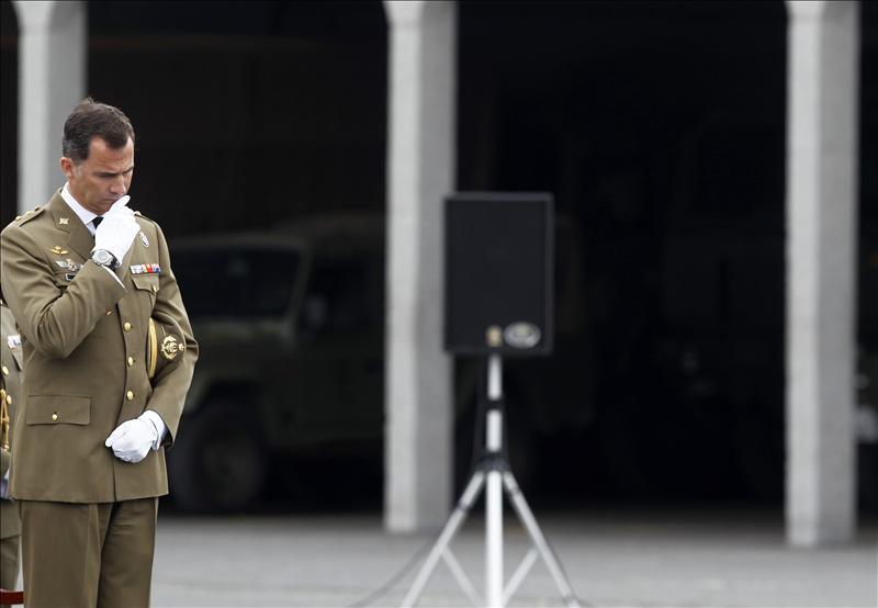 El príncipe preside el funeral por los militares fallecidos en Afganistán