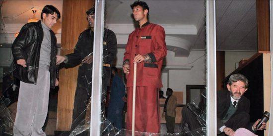 Un comando talibán ataca el lujoso hotel Intercontinental de Kabul