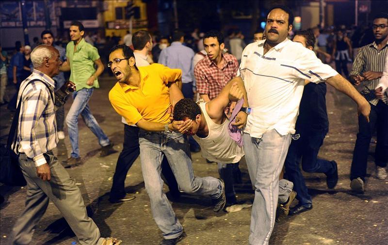 Casi 600 heridos en choques en el centro de El Cairo, según el Gobierno