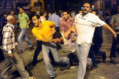 Al menos 43 heridos en choques entre manifestantes y policías en Tahrir