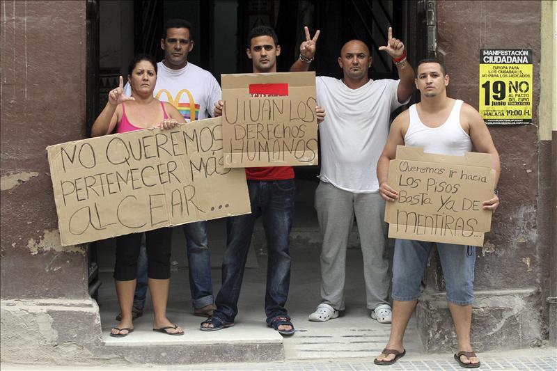 Expulsados siete cubanos del Centro de Ayuda al Refugiado de Málaga por agresión y amenazas