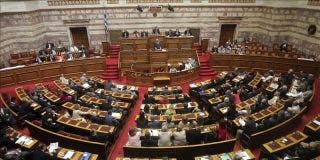 El Parlamento griego abre su sesión para votar nuevas medidas de austeridad