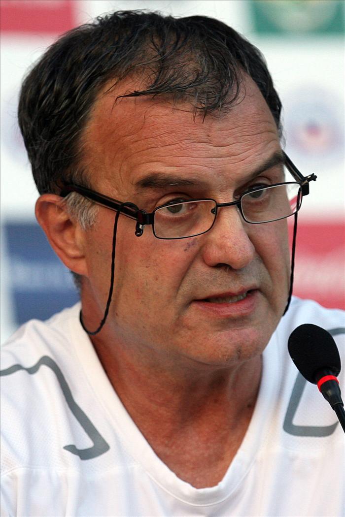Urrutia anuncia que Bielsa será el entrenador del Athletic si él gana las elecciones a la presidencia