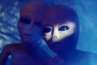 Stephen Hawking alerta sobre los extraterrestres: