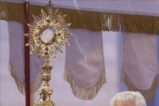 Benedicto XVI dice que la Eucaristía es el antídoto contra el individualismo