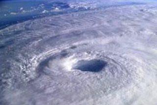 Estados Unidos se prepara para la llegada inminente del peor huracán en 30 años