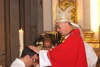 Ladaria preside en la iglesia de la Compañía la ordenación sacerdotal de un jesuita valenciano