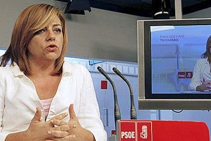 """La jefa de campaña de Rubalcaba mantuvo una reunión """"personal"""" con un grupo de 'indignados' en el Café Gijón"""