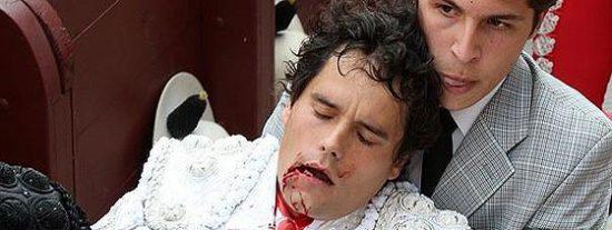 El torero Miguel Abellán sufre una aparatosa cornada en la boca