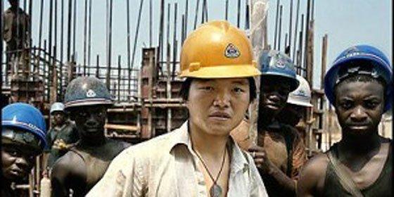Los chinos invierten en África por la mano de obra barata