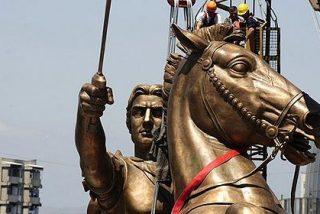 Grecia se enfurece porque Macedonia pone estatua a Alejandro Magno