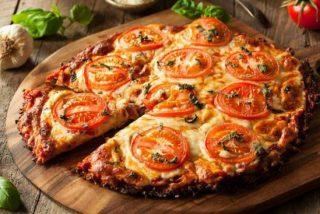 Base de pizza de coliflor (con la mitad calorías)