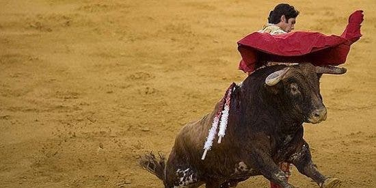 Toros: Sebastián Castella y El Cid, por la puerta grande en Granada