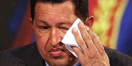 """El Gobierno venezolano confiesa que Chávez """"batalla por su salud"""""""